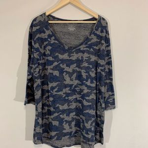 Lane Bryant BLue Camo V neck tunic tee sz22/24